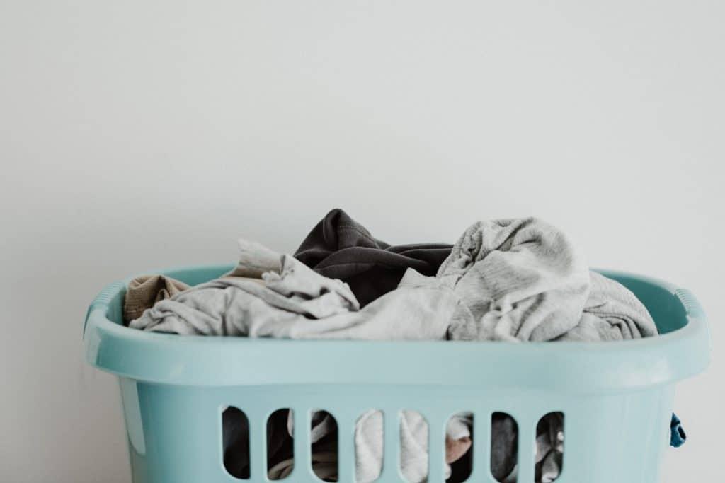 Unsplash_CleaningYourRoomChecklist