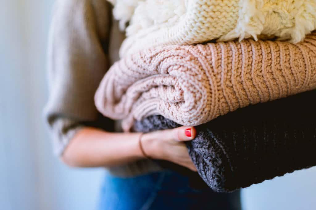 Unsplash-SoakingClothesInVinegarOvernight-sweaters