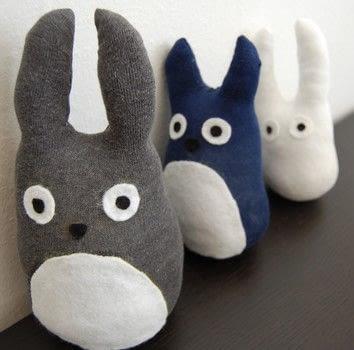 RecyclingOldSocks_Totoro_CutandKeep