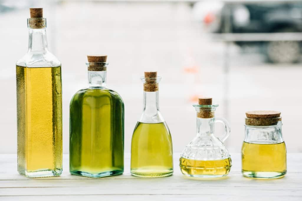 Depositphotos_BasicHotProcessSoapRecipe-olive-oil-bottles