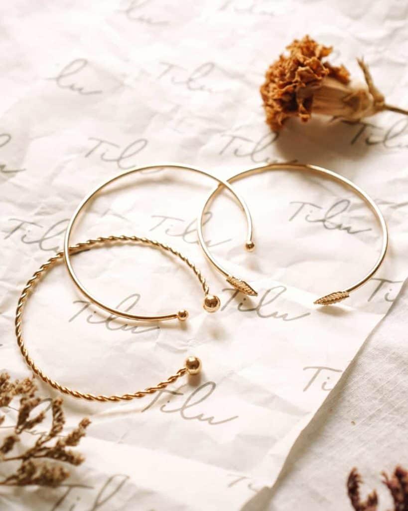 Unsplash_CleanJewelryNaturally-bracelets