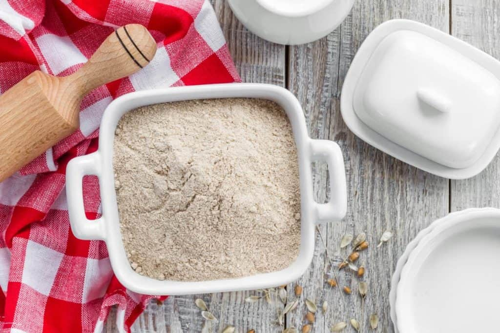 YayImages_CanYouCompostFlour_wheat-flour