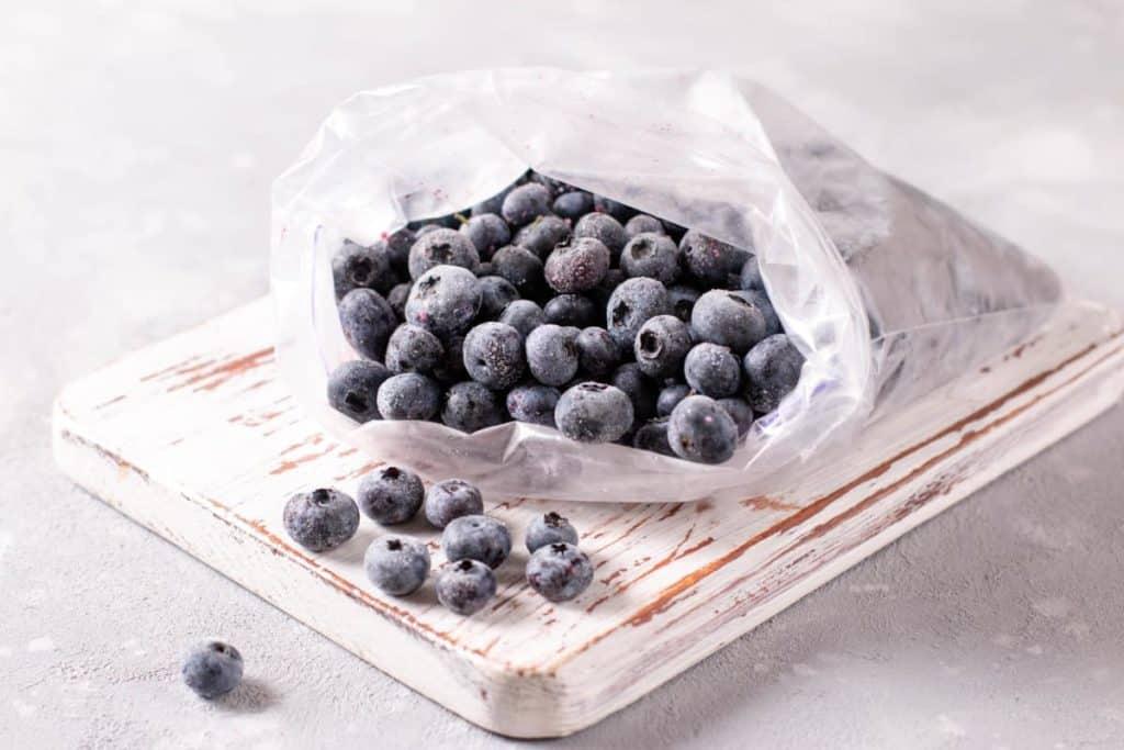 Depositphotos_CanningFrozenBlueberries-frozen-berries