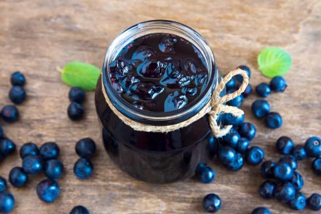 Depositphotos_CanningFrozenBlueberries-jar